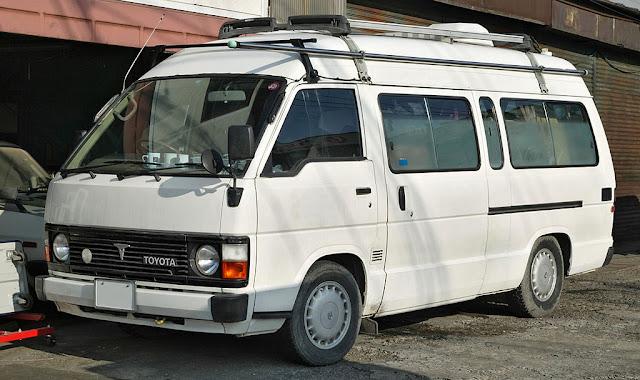 Toyota_Hiace_1982