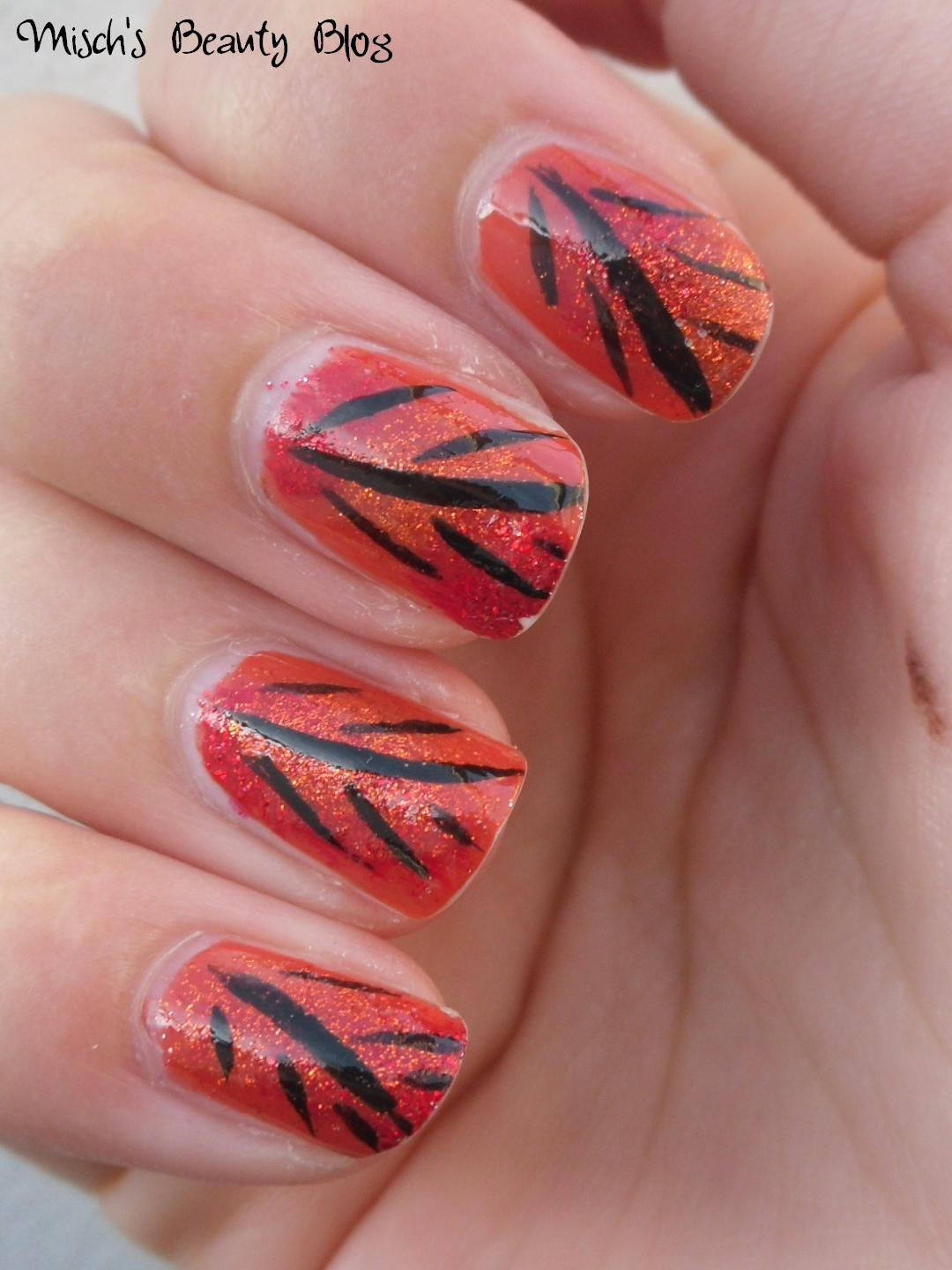 Misch's Beauty Blog: NOTD September 29th: Fall Leaf Nail Art