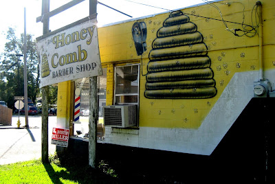 Living Rootless: Opelousas: The Honey Comb Barber Shop