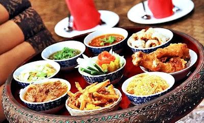 http://www.hotels2thailand.com/chiang-mai-deals/khantoke-dinner-old-chiang-mai-cultural-center-04814401.html