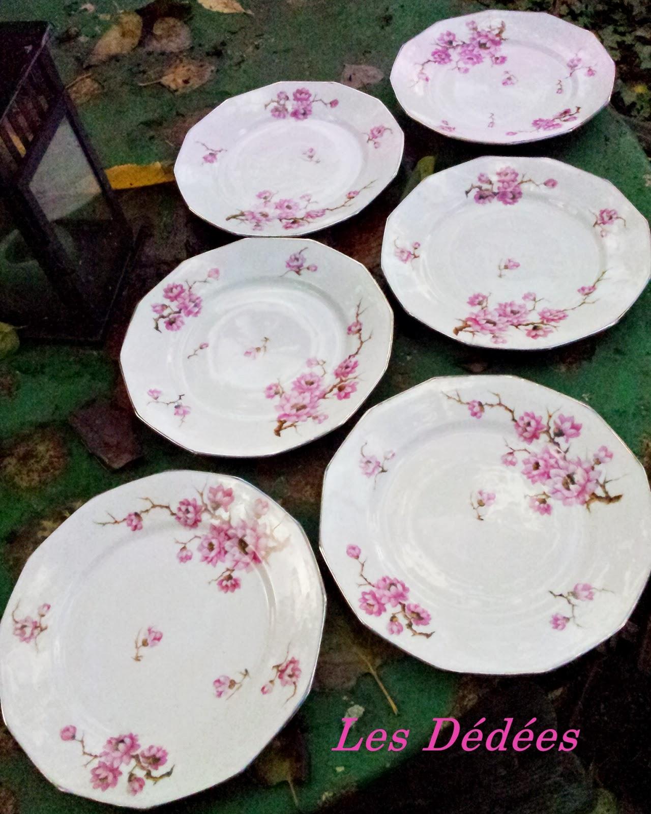 les dedees vintage recup creations anciennes assiettes fleurs de cerisier by anne. Black Bedroom Furniture Sets. Home Design Ideas