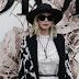 Jennifer Lawrence marca presença na Front Row do desfile da Christian Dior na Semana de Moda de Paris como parte da Alta Costura Outono / Inverno 2017-2018 em Paris, França – 03/07/2017