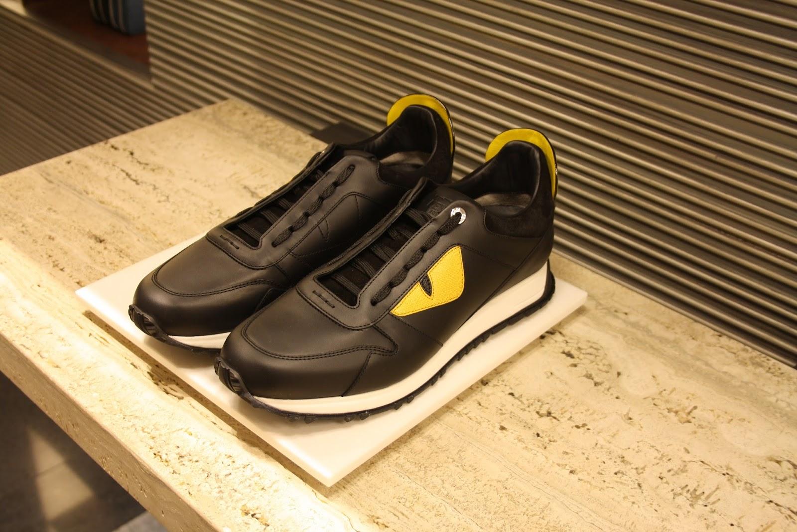 40f480519 تعد من أشهر الماركات الإيطالية في مجال الأحذية التي تتميز ببعض التصاميم  الغير تقليدية الجريئة والتي تلقى رواجاً كبيراً بين الفئات الشبابية المختلفة  .