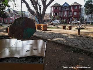 Relato de viagem à cidade de Kochi e seu forte, ex-colônia de Portugal e Holanda, no litoral oeste da Índia.