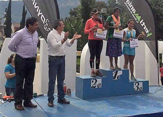 Mexican Tarahumara woman without marathon experience wins 50km race in sandals
