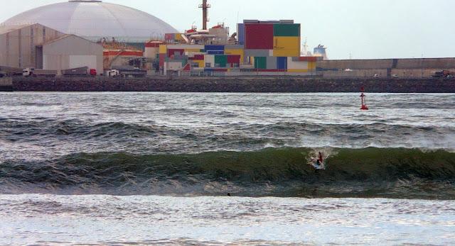 surf en el puerto viejo algorta jefris 12