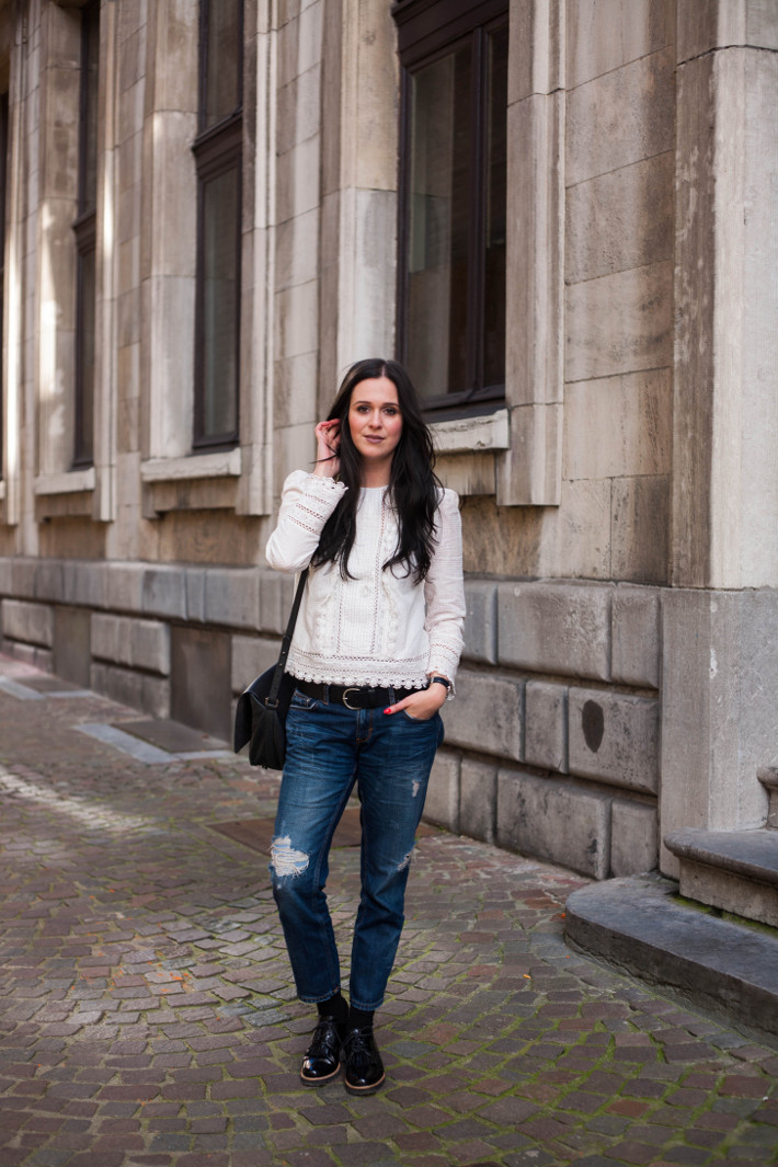Outfit: Edwardian blouse, boyfriend jeans and tassel brogues