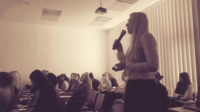 Weronika Słupek wykład w WSIiZ uszkodzenia włosów