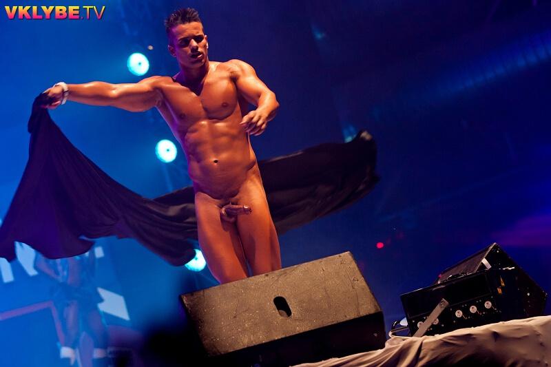 бразильская мужской стриптиз голые мужчины обезумел возбуждения мог