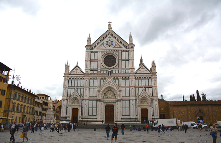 Travel: Piazza Santa Croce,  Florence, Italy | My Darling Days