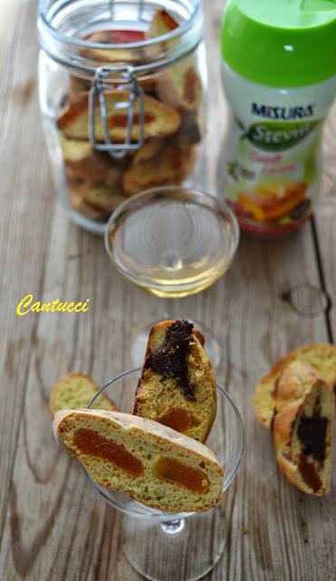 cantucci biscotti con vin santo