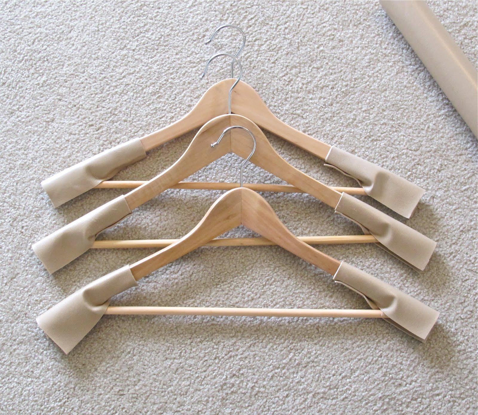 BluKatKraft: DIY No-slip Clothes Hangers