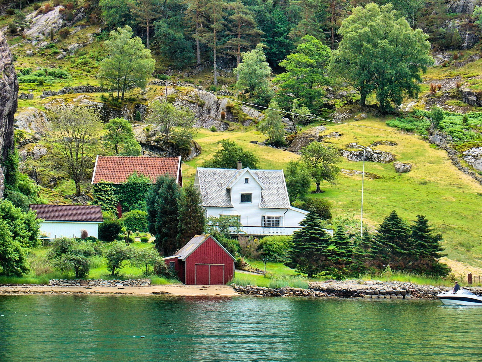 Picturesque beauty along the Lysefjord.