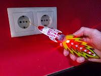 http://thefragmentationparadox.blogspot.pt/2015/04/msp430-bsl-rocket-emf-detector.html