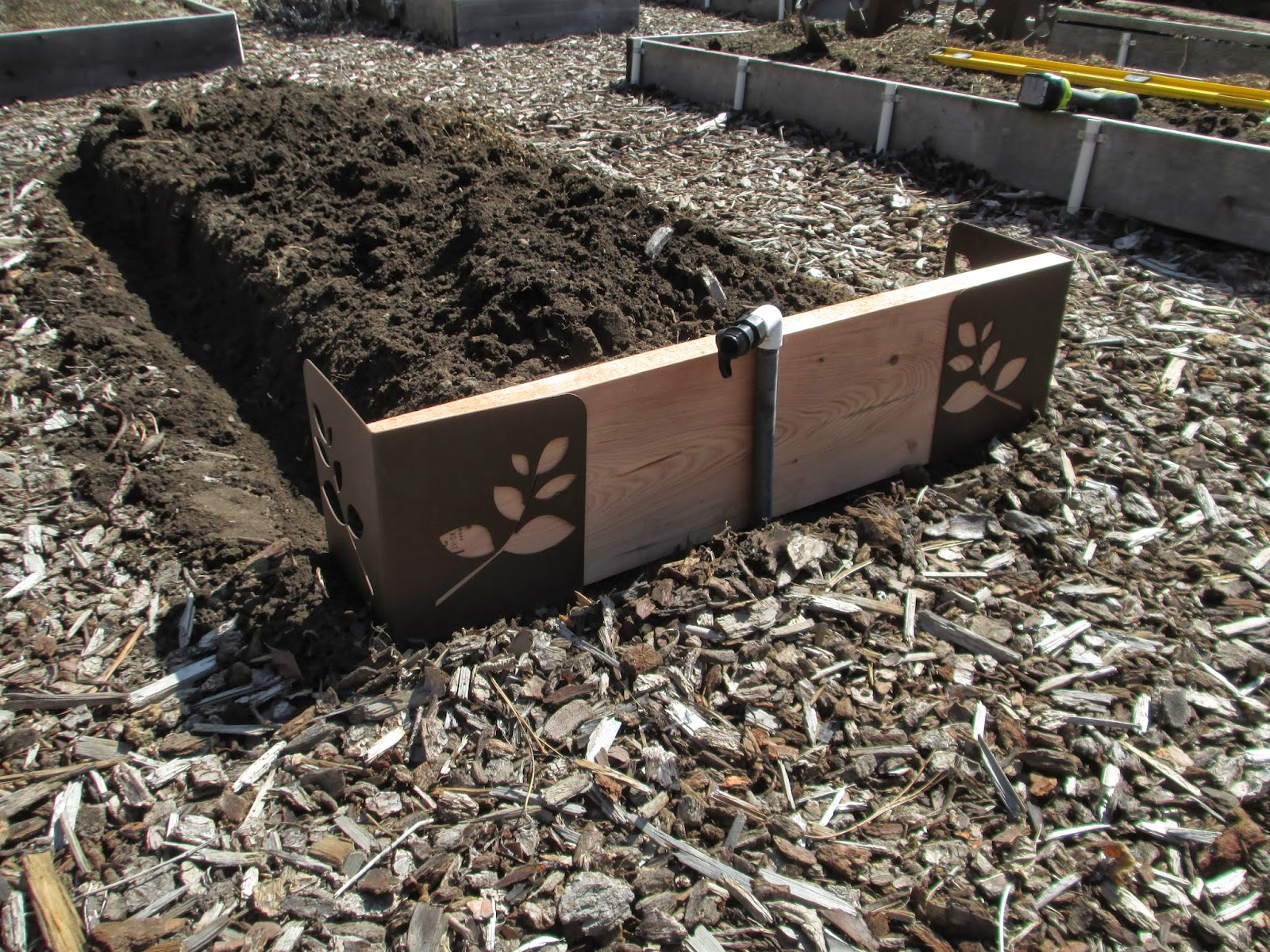 New raised bed brackets part one susan 39 s in the garden - Raised garden bed corner brackets ...