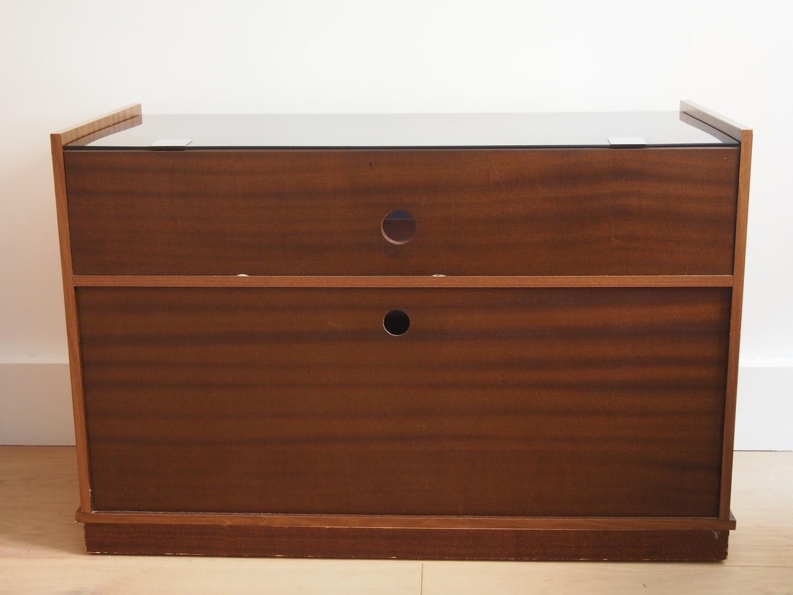 superbe meuble pour disques vinyls et sa platine vendu g n ration vintage. Black Bedroom Furniture Sets. Home Design Ideas