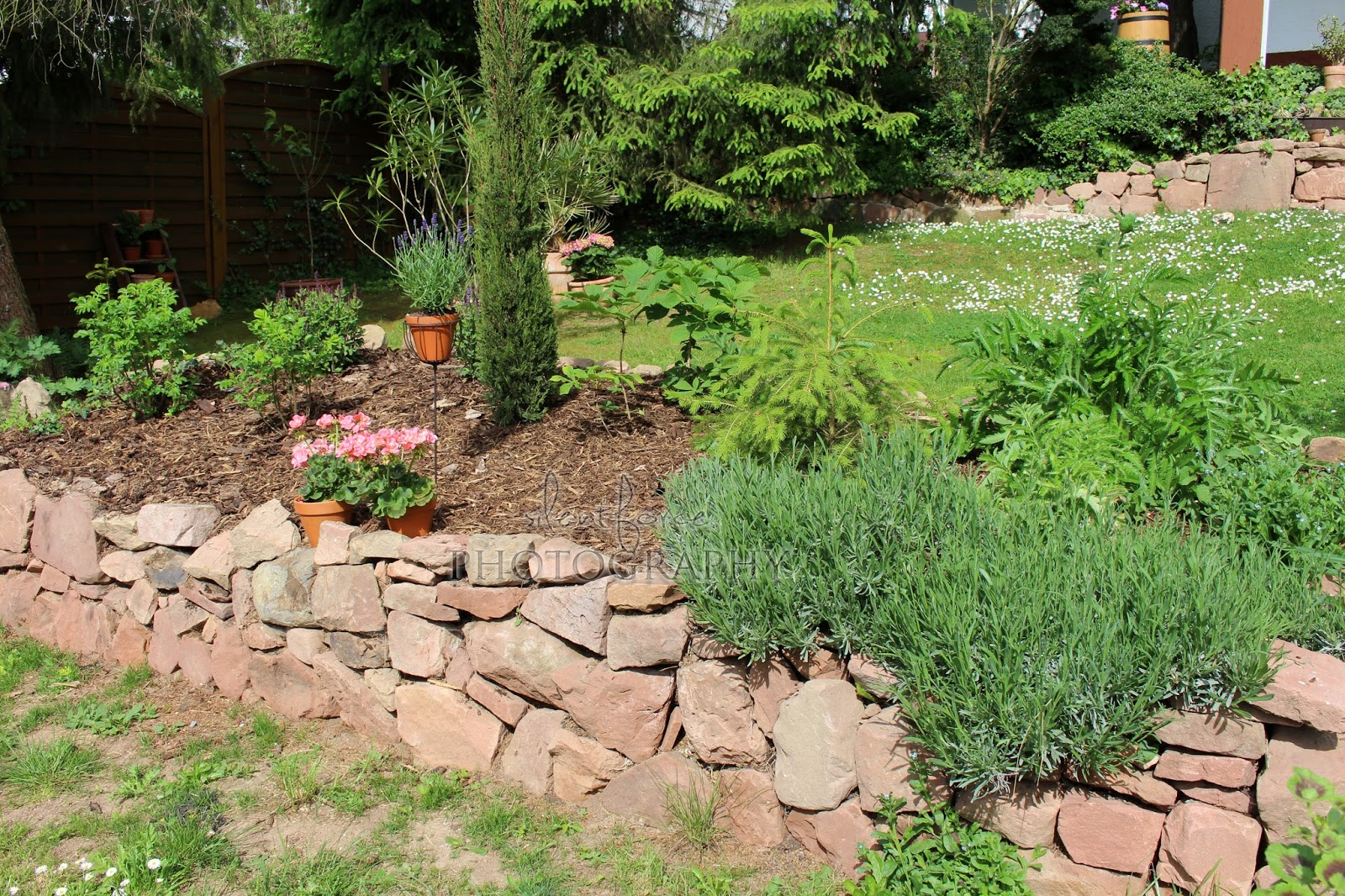 mediterranes hochbeet silentforce garden. Black Bedroom Furniture Sets. Home Design Ideas
