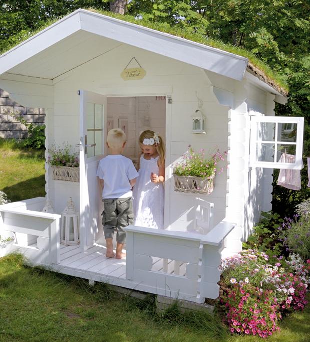 Boiserie c la casetta in legno per i bambini for Casa legno bambini