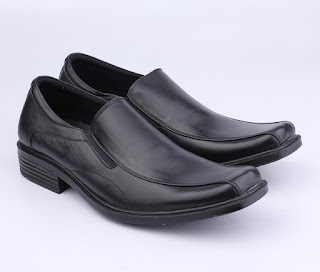 sepatu kerja pria catenzo,grosir sepatu kerja,sepatu kerja hitam tanpa tali,gambar sepatu kerja kulit asli,model sepatu pantofel hitam