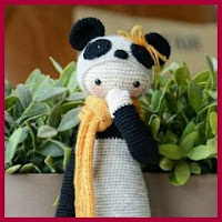 Muñeco panda amigurumi
