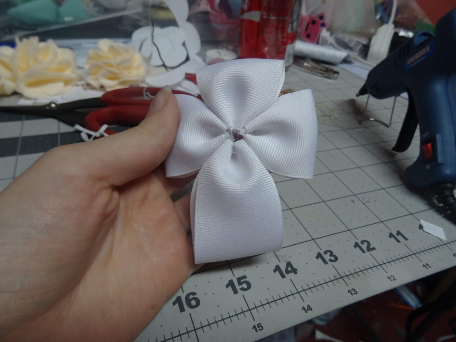 Create Kids Couture: Beautiful Cross Hair Bow