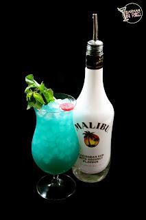 coctele malibu blue