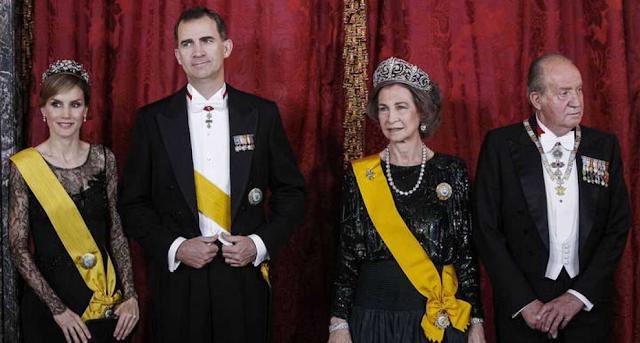 Final de ciclo, ¿delenda est monarchia?
