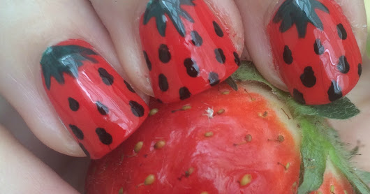 Fail Strawberry Nailart