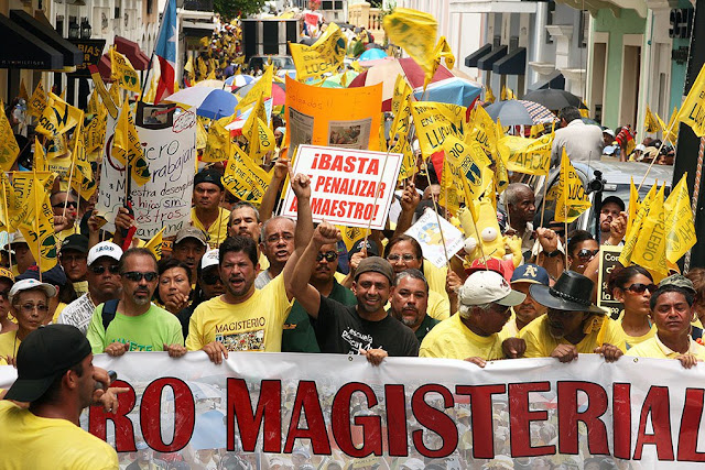 Maestros frenan proyecto de privatización de la educación en Puerto Rico