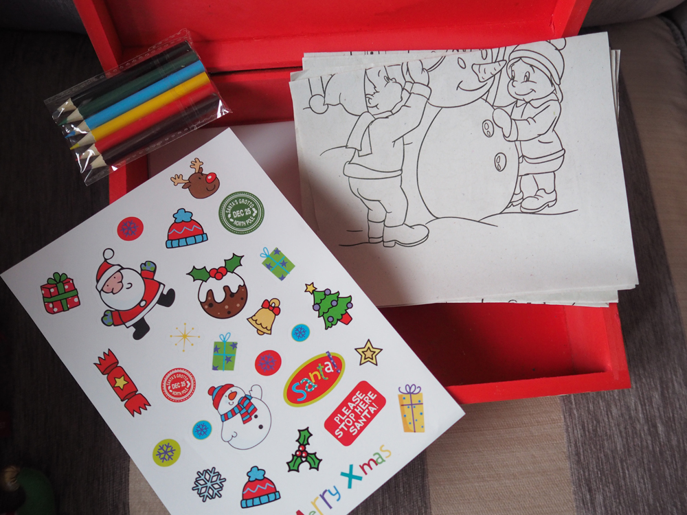 Lily S Little Learners What S Inside Lily S Christmas Eve Box