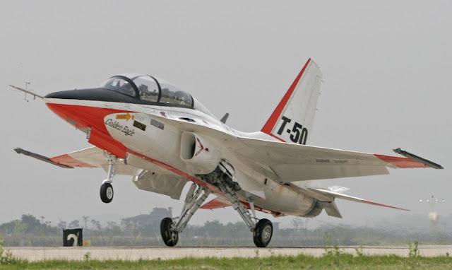 El Gobierno autoriza el gasto para la adqusición de un nuevo avión entrenador para la Academia General del Aire