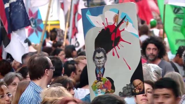Argentinos marchan en defensa de la democracia y justicia