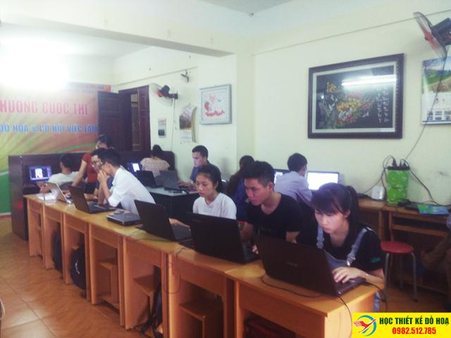 Học viên khóa học thiết kế đồ họa tại Sóc Sơn