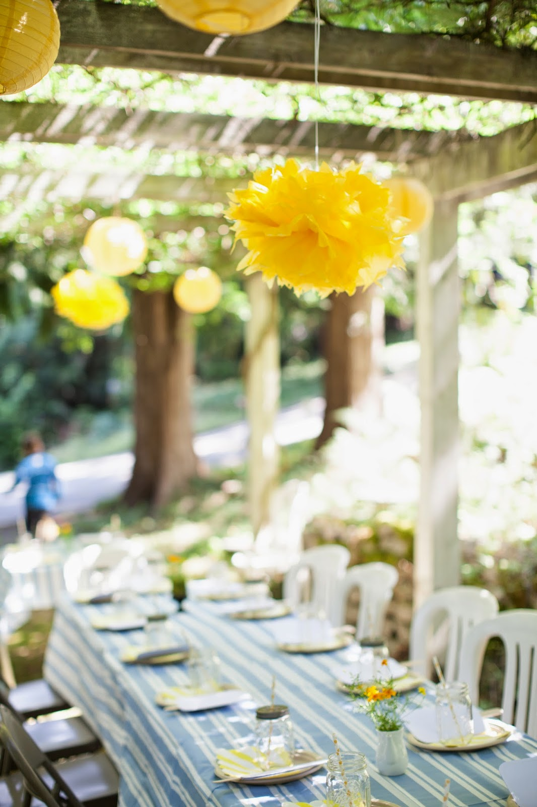 blue and yellow Summer party decor