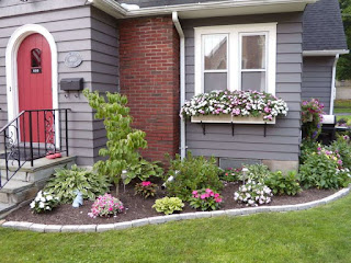 Gardening ideas in front of house