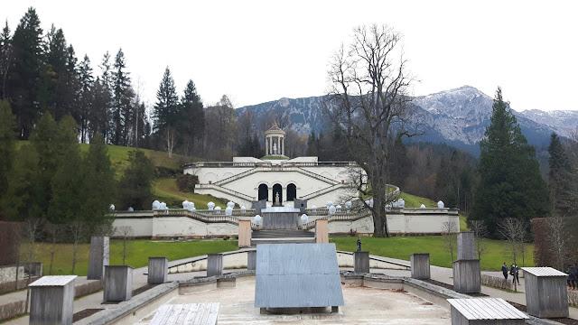 Schloss Linderhof im Herbst