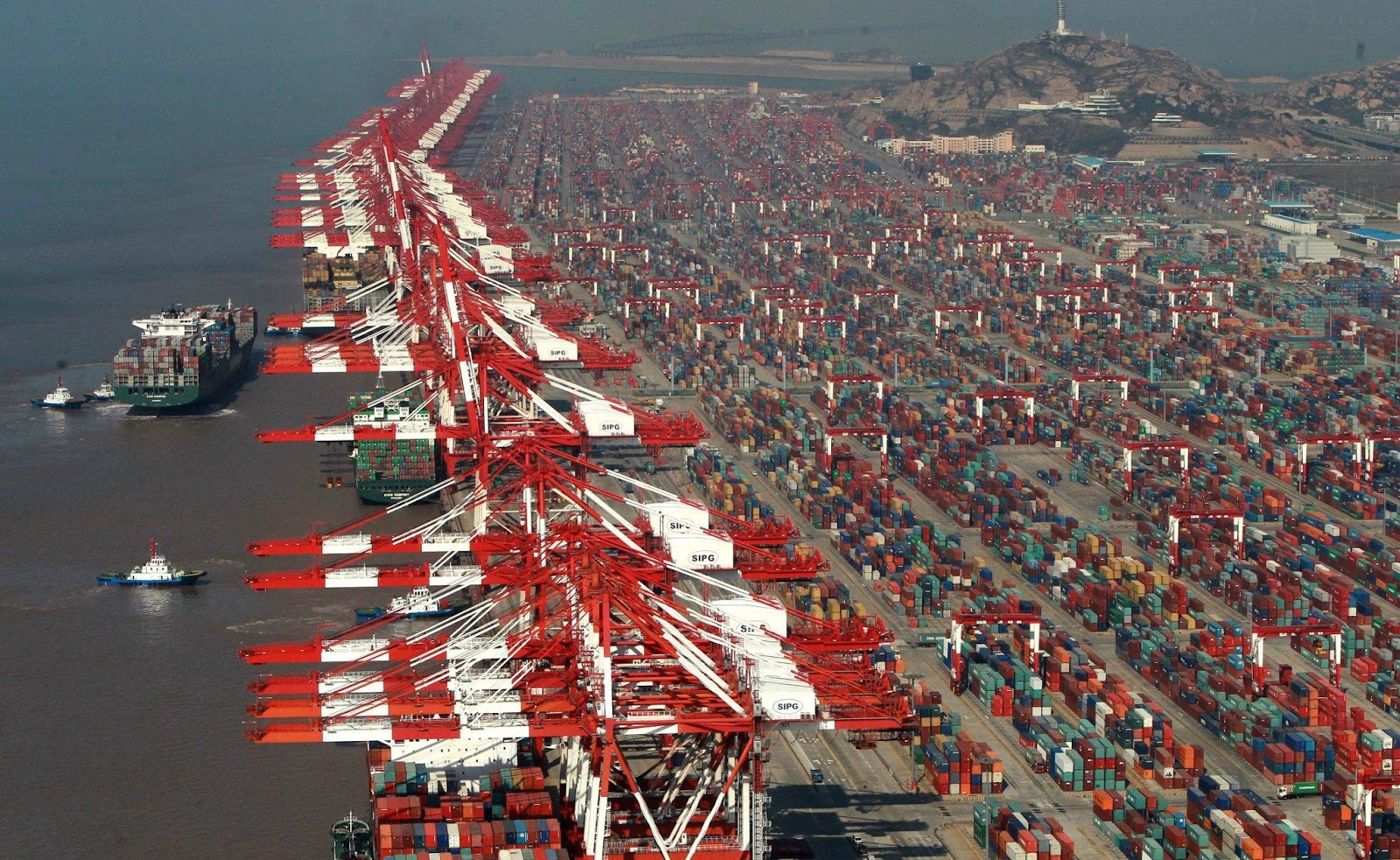 World S Largest Cruise Ship Shanghai Container Terminal Marine Vessel Traffic
