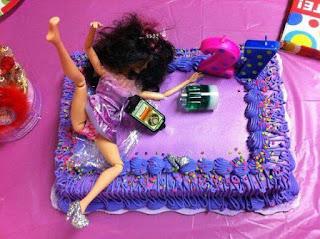 Fotos de humor - tortas de barbie en pedo