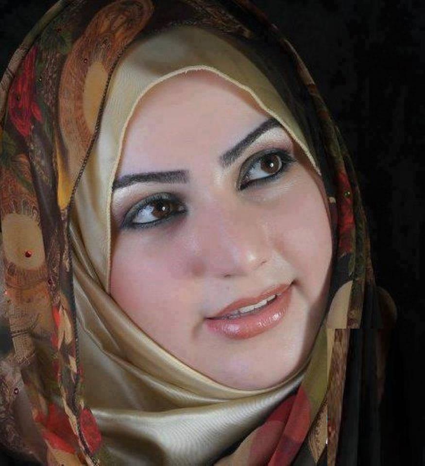 Pakistani Girl: Arbi Sexy Girls Photo