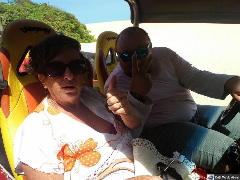 Mamis e o bugueiro Gerdon em Natal - Passeio de buggy depois dos 60 anos