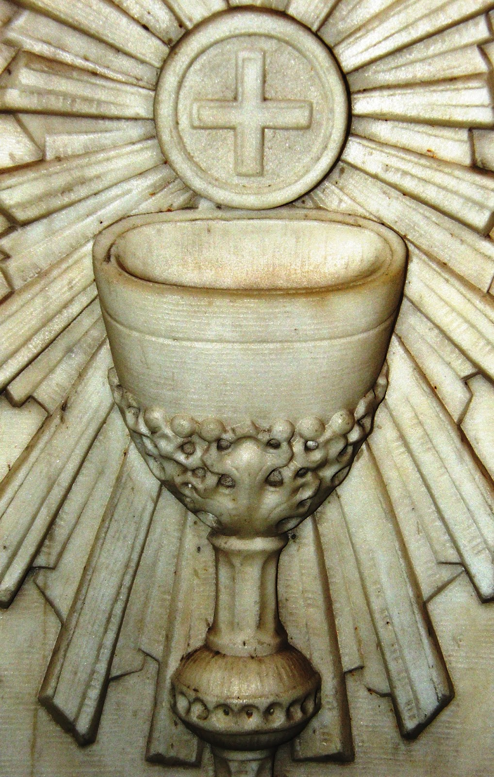 Chalice with Radiant Host | Restoring the Faith Media - We ...