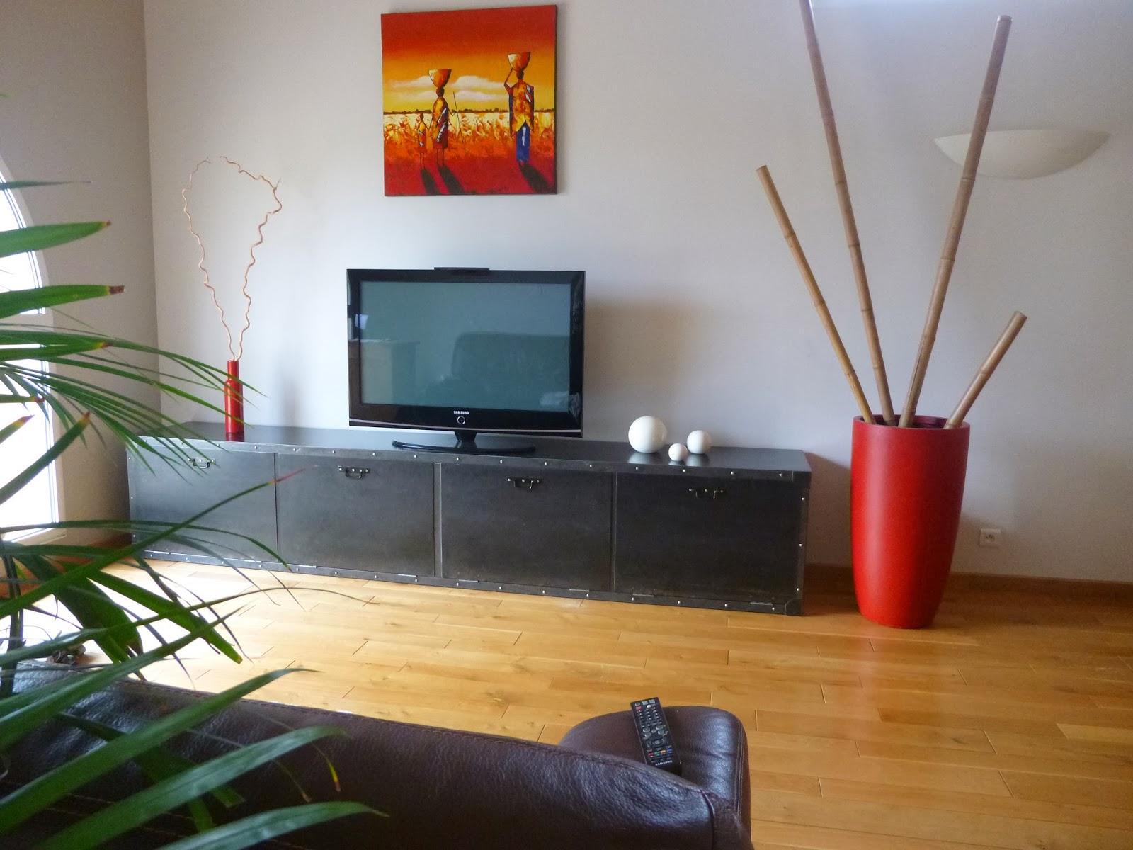 c factory creation meuble tv metal. Black Bedroom Furniture Sets. Home Design Ideas