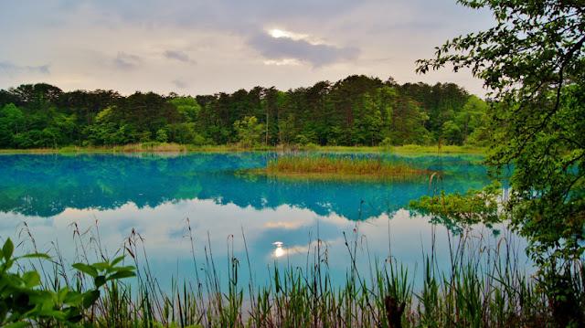 Hồ Ngủ sắc Goshikinuma một trong những địa danh du lịch Nhật Bản nổi tiếng