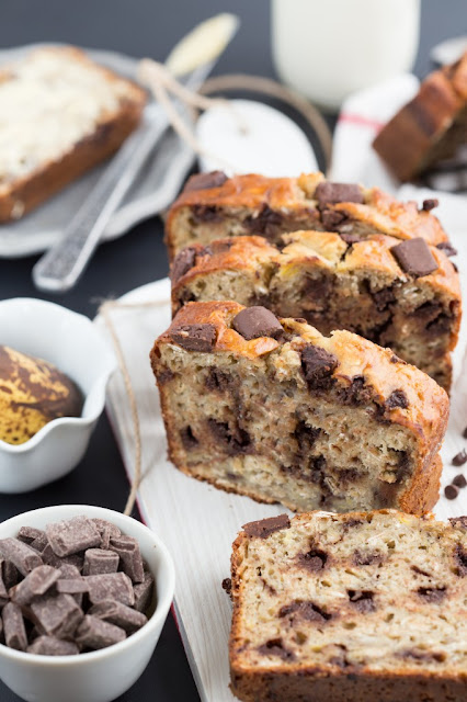 Greek Yogurt Banana & Oat Bread #sweetbreadrecipe
