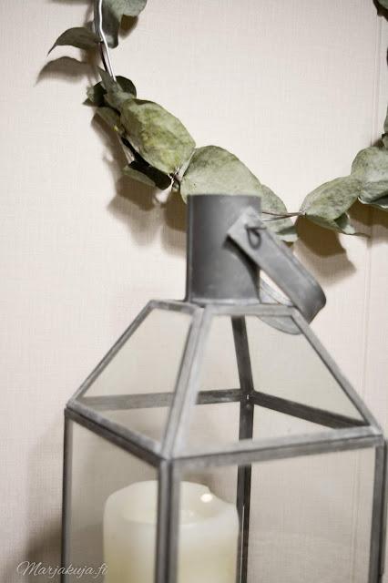 eucalyptus sisustus skandinaavinen talvi syksy joulu lyhty kynttilä kranssi