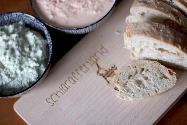 Baguette und Brotaufstrich selber machen - ideal zum Grillen