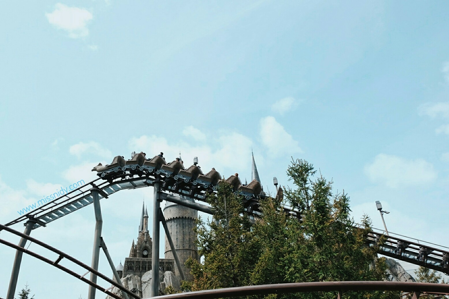 roller coaster in wizarding world of harry potter USJ