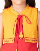 Girl Cotton Nagri Sleeveless Kurta