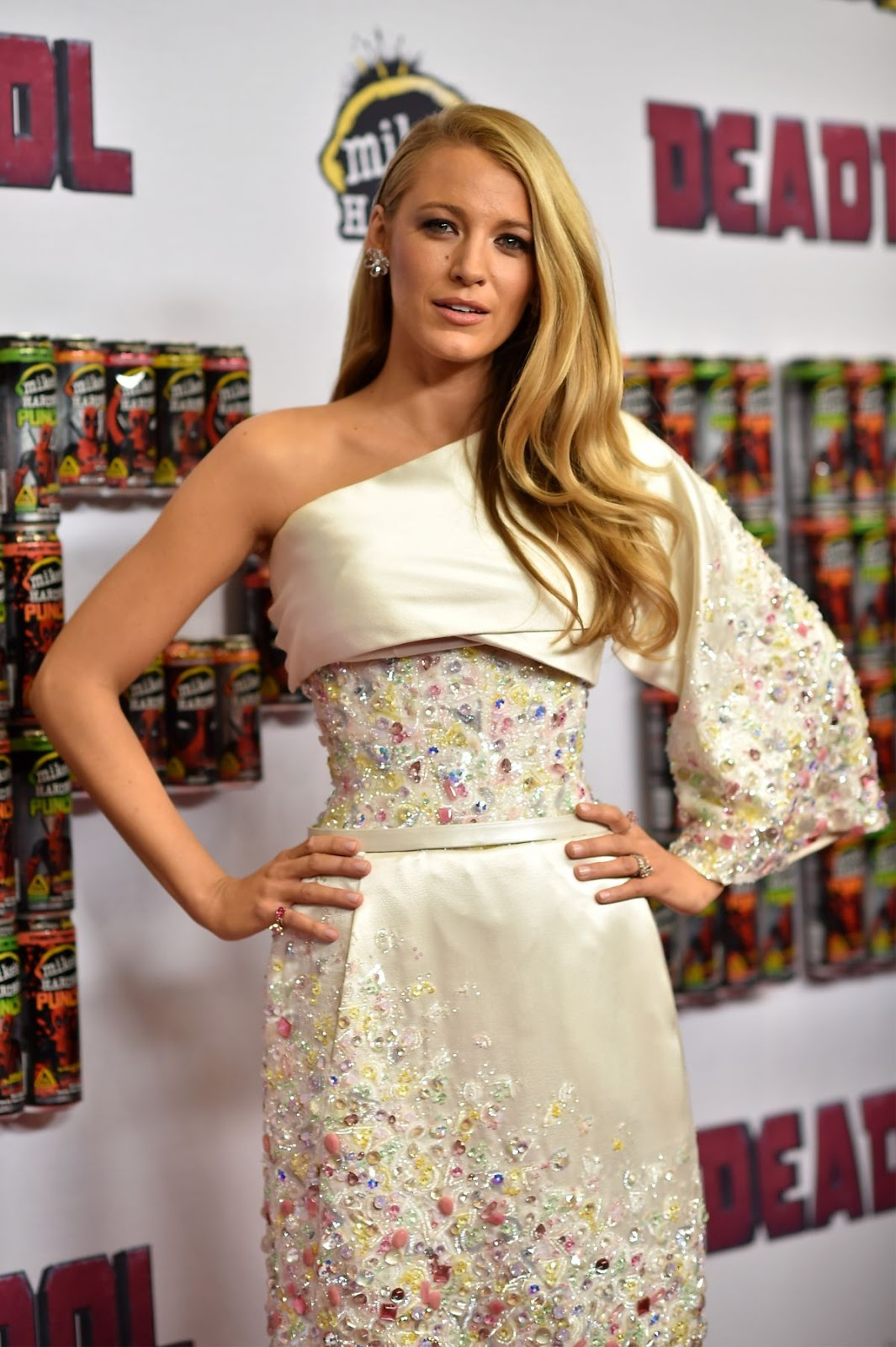 Full HD Photos of Blake Lively at 'Deadpool' New York Premiere