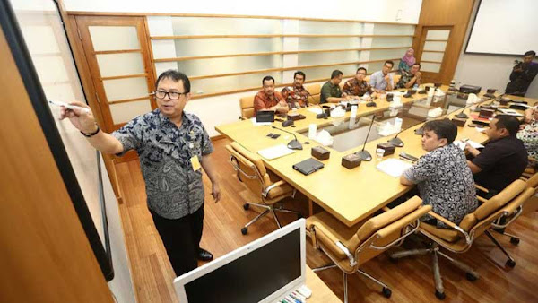 Pemkot Bandung Akan Fasilitasi Pembangunan Pusat Latihan PERSIB dekat Stadion GBLA